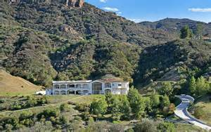 great room floor plans 5 9 million mountaintop mansion in agoura ca with