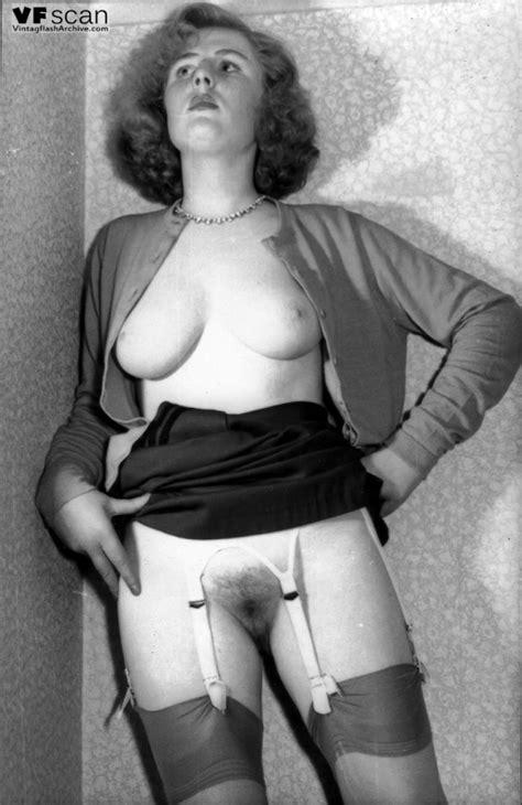 pics upskirt 1950 1960 s nylons hot porno