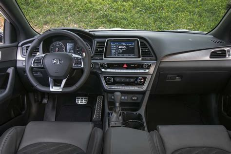 hyundai sonata interior 2018 hyundai sonata drive review automobile magazine