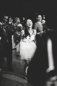 how much does a wedding really cost and who should pay With how much should i pay for a wedding photographer