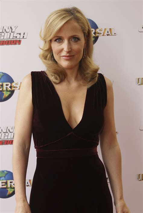 pictures  gillian anderson pictures  celebrities