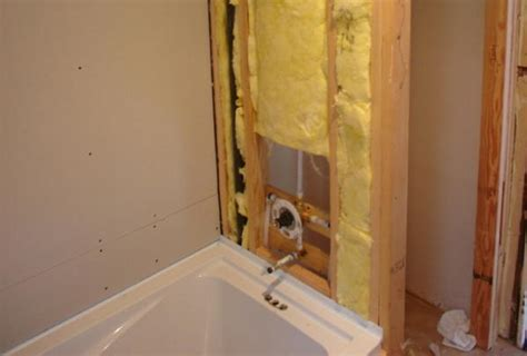 tiling a bathtub lip how to deal with a bulky bathtub fastening lip when tiling
