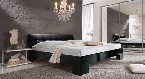 schlafzimmer ideen schwarzes bett hochglanzbett in wei 223 in z b 100x200 cm mit strass arturo
