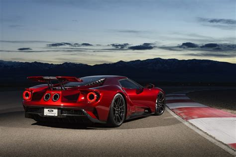 ford gt production hits a snag deliveries to be delayed carscoops