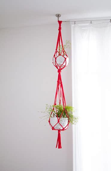 plante bureau diy suspension pour plantes en trapilho vert cerise