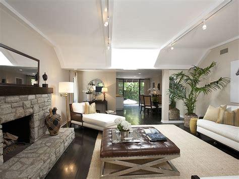 track lighting ideas for living room track lighting emphasizes the living room 39 s long lean