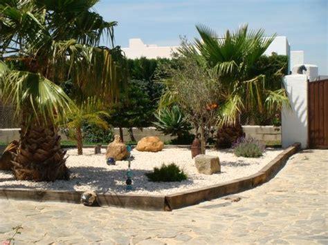 Garten Der Loa by Los Anos Locos Aussenanlage