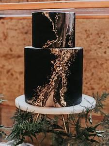 34 Gorgeous Moody Wedding Cakes