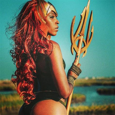 Dazzling Mera Cosplay… Some Certain Sea Superhero Is A ...
