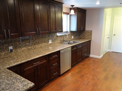 kitchen cabinet espresso color what color hardwood floor with espresso cabinets 5398