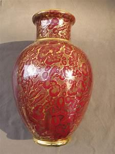 Grand Vase Design : grand vase rouge avec des projections d 39 or s vres autres c ramiques ~ Teatrodelosmanantiales.com Idées de Décoration