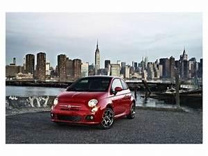 Jennifer L U00f3pez Se Sube Al Fiat 500 Pop Star