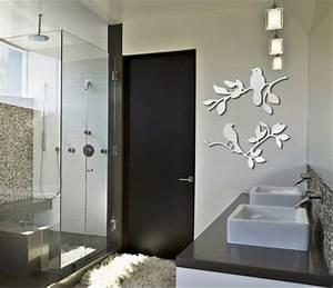 Les stickers miroir une idee creative pour la decoration for Superior idees pour la maison 9 stickers pour vitres pour decorer et pour preserver votre