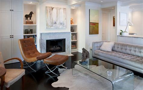20 Living Rooms Adorned With Cowhide Rugs