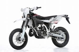 125ccm Motorrad Supermoto : kawasaki supermoto 125ccm motorrad bild idee ~ Kayakingforconservation.com Haus und Dekorationen