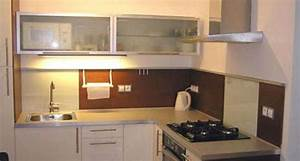 Modern kitchen cabinet designs for small spaces for Kitchen design ideas for small spaces