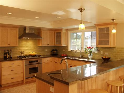 red oak kitchen cabinets Kitchen Traditional with