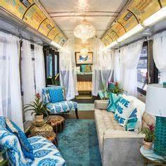 Wohnwagen Gemütlich Einrichten : love this vintage bus converted into a home great schulbus umbau ideen f r deinen schulbus ~ Eleganceandgraceweddings.com Haus und Dekorationen