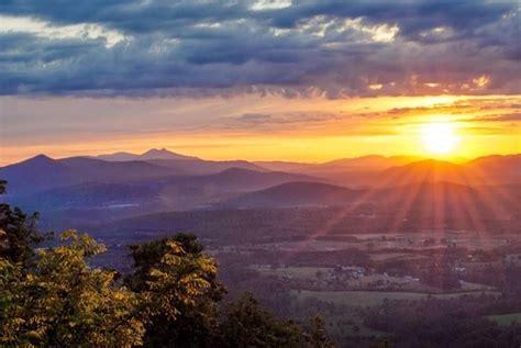 sunrise  roanoke mountain photo  renee riquelmy