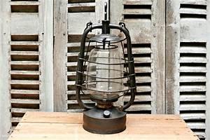 Lampe à Pétrole Ancienne Le Bon Coin : lampe p trole militaire ancienne r ve de brocante ~ Melissatoandfro.com Idées de Décoration