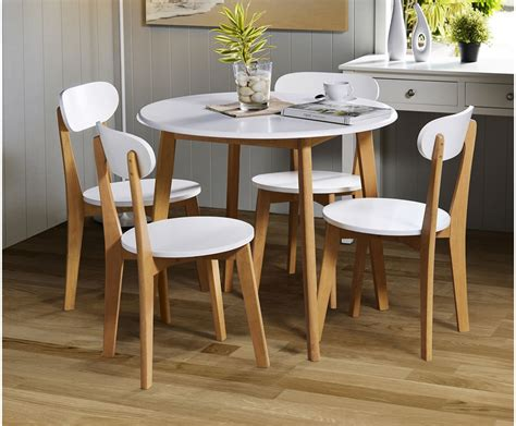 Campbell White Lacquer Round Table And Chairs