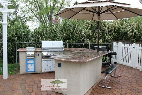 outdoor kitchen height custom outdoor kitchens 2013 lazy l kitchen with counter height seating and umbrella holder