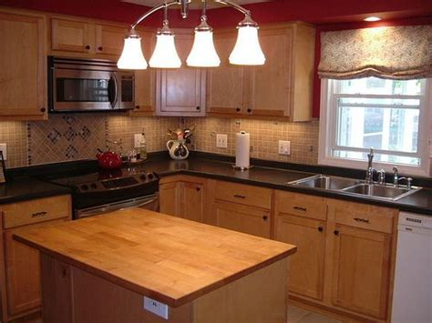 paint colors for kitchens with maple cabinets 17 best images about kitchen design ideas on 9687