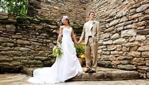 wedding photo poses wedding photographer posing tips virginia wedding photographer katelyn photography