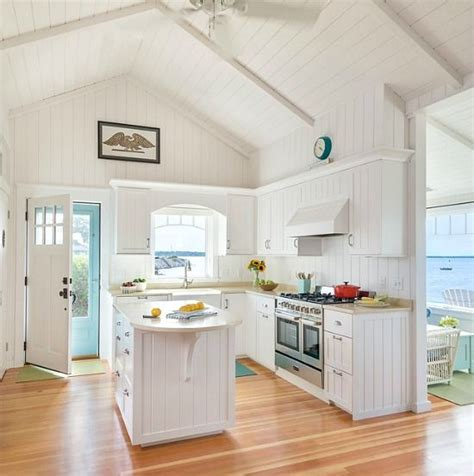 small cottage kitchen 25 best ideas about small open kitchens on 2334