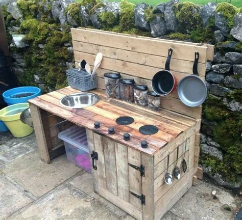 diy outdoor kitchen recycled pallet wood outdoor kitchen pallet wood projects