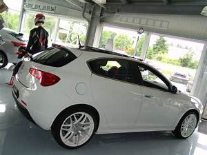 Alfa Romeo 147 18 Zoll Felgen : alfa romeo giulietta mit 19 zoll zeisberg corse r dern ~ Kayakingforconservation.com Haus und Dekorationen