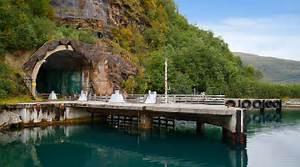 Haus Fjord Norwegen Kaufen : bond villain style secret submarine base for sale classic driver magazine ~ Eleganceandgraceweddings.com Haus und Dekorationen