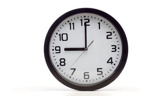 Analog Clocks Are Being Replaced In Britain Because Kids