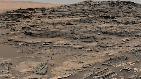 News | Mars Panorama from Curiosity Shows Petrified Sand Dunes