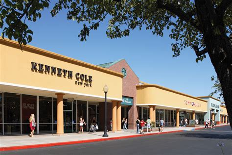 Outlet Gilroy Ca by Gilroy Premium Outlets In Gilroy Ca 408 842 3