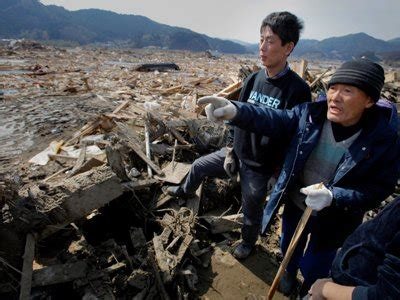 japan yakuza mafia aid earthquake tsunami rescue efforts