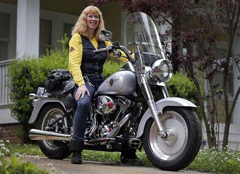 Harley Woos Women Riders