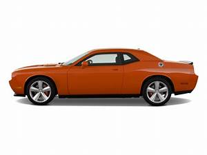Image: 2010 Dodge Challenger 2-door Coupe SRT8 Side