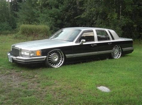 Joby33 1990 Lincoln Town Car Specs, Photos, Modification