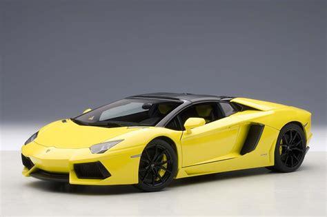 yellow lamborghini aventador autoart highly detailed die cast model yellow lamborghini