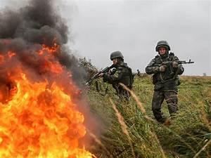 Putin displays massive firepower in Russian war games on ...