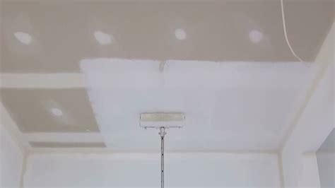 Zimmerdecke Streichen Tipps by How To Paint A Ceiling How To Paint A Ceiling Using A