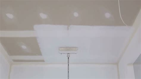 How To Paint A Ceiling - How to paint a ceiling using a