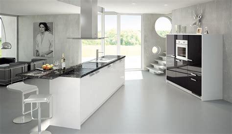 cocina moderna  isla en blanco  negro
