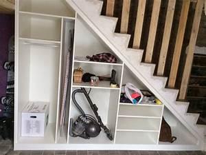 Placard Escalier : placard sous escalier c 39 est du propre pinterest stair storage storage and basements ~ Carolinahurricanesstore.com Idées de Décoration