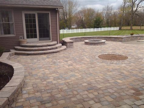 paver patio sitting walls steps and gas pit
