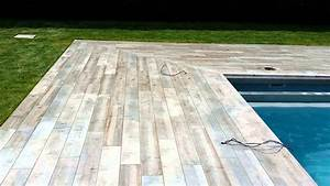 carrelage terrasse piscine youtube With carrelage exterieur effet bois
