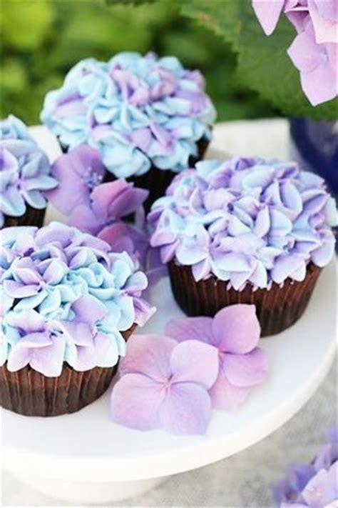 brides  adelaide magazine lilac wedding cupcakes
