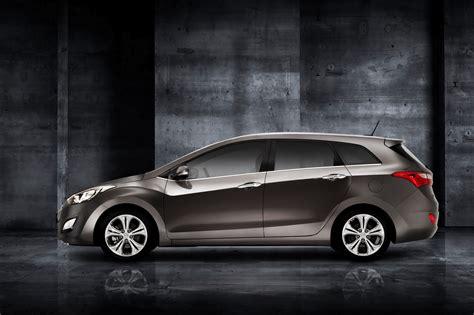 All New Hyundai I30 Wagon Unveiled Ahead Of The Geneva