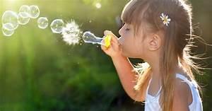 Flüssigseife Selbst Herstellen : seifenblasen selbst herstellen so gelingts freizeit ~ Buech-reservation.com Haus und Dekorationen
